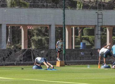 Equipos de futbol mexicano reanudan entrenamientos