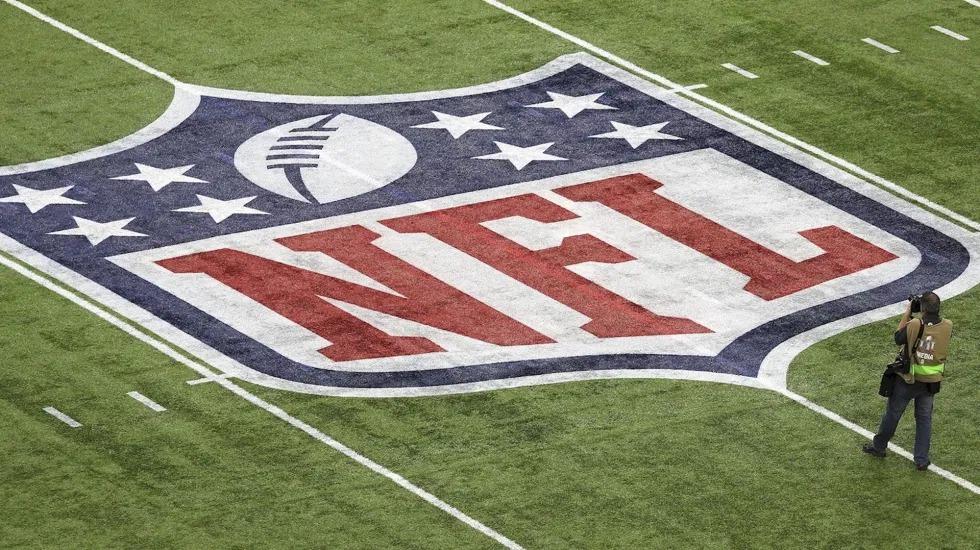 NFL exige a equipos seguir protocolo de máxima seguridad contra COVID-19