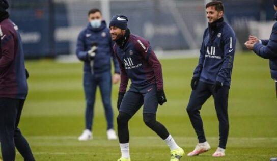 Neymar vuelve a entrenar con el París Saint-Germain