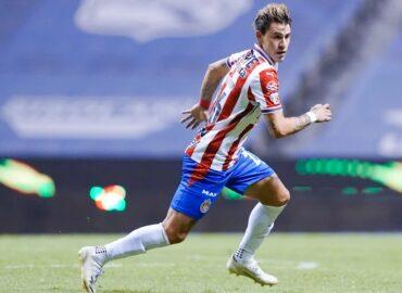Futbolista de Chivas deberá explicar su contagio de Covid-19