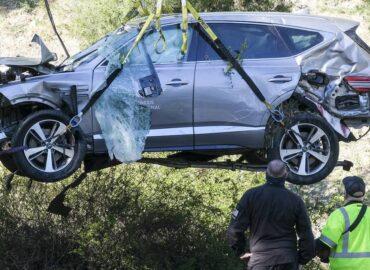 Woods pensaba que estaba en otro estado tras accidente, revelan informes