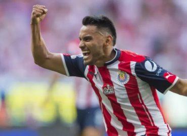Chivas confirma a José Juan 'Gallito' Vázquez como nuevo refuerzo