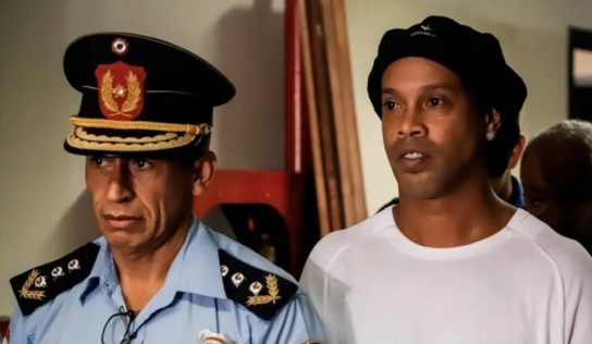 Escándalo Ronaldinho alcanza al presidente de Paraguay; ordena investigación interna